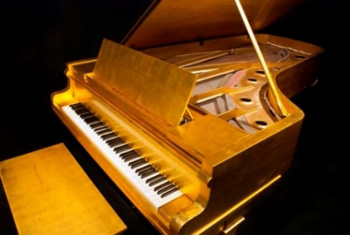 Elvisnews Com Elvis S Gold Piano For Sale Misc